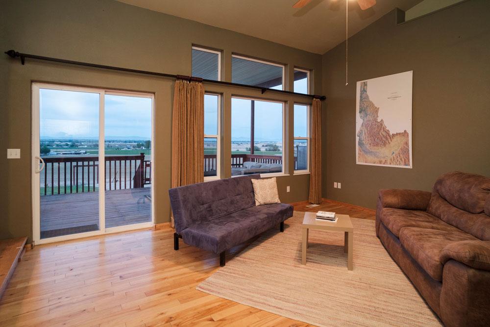 07-livingroom-whittier